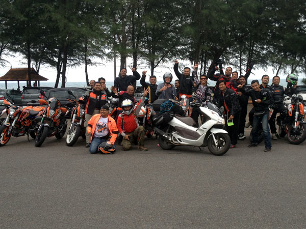 KTM Duke riders from KL