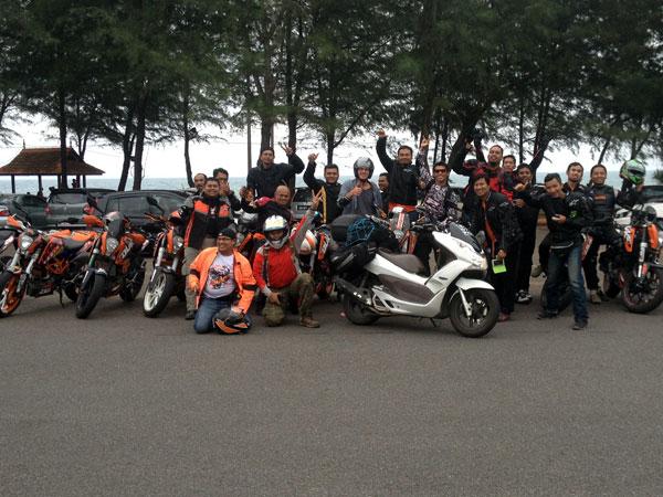 KTM Duke riders from KL