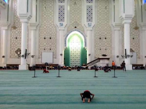 blue mosque kuantan