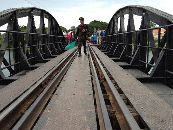 Bridge over the river Kwai - drunk guard