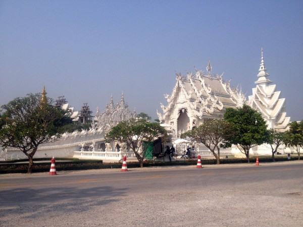 coffee stop at the white temple south of chinag rai